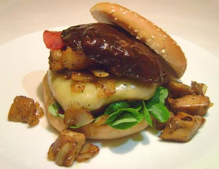 Hamburger-aux-Cepes-2.JPG