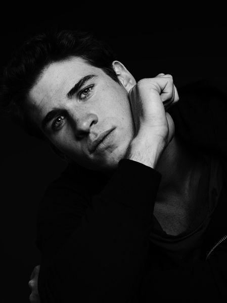 Liam-Hemsworth-Slimane-VMAN-Homotography-2.jpg