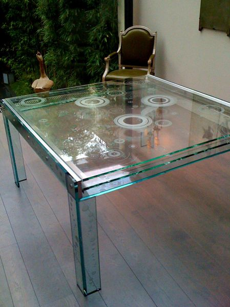 Table-a-plateaux-coulissants.jpg