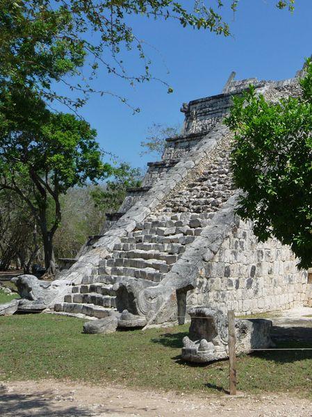 Jour 9 Chichen Itza Tombe du Grand Prêtre escalier