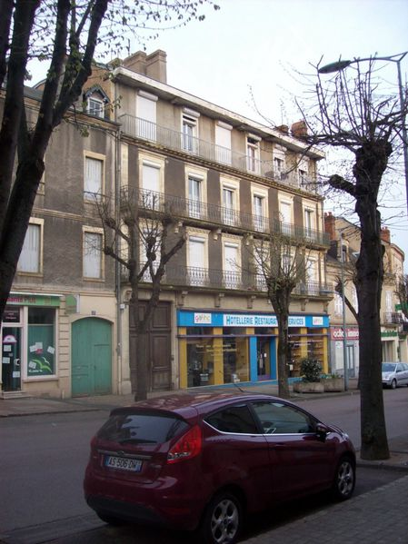 Avenue Charles de Gaulle - 100 7461 (Copier)