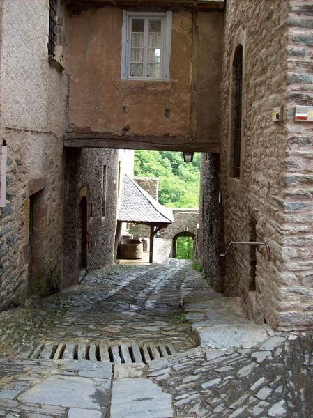 Conques, ruelle 1
