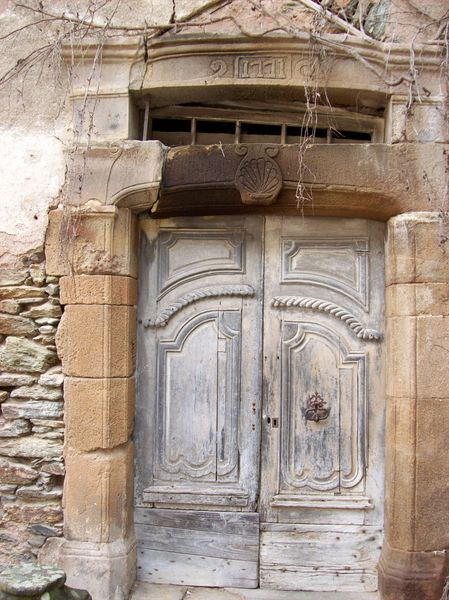 Conques, vieille porte