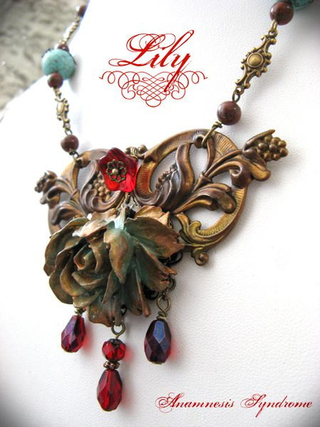 collier Lily-1
