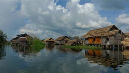 village-flottant-Lac-Inle--5---Small-.JPG