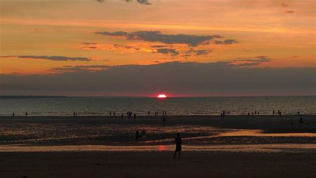 Sunset-Mindil-Beach--5---Small-.JPG