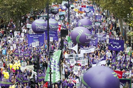 TUC-Britain-needs-a-pay-rise-march.jpg