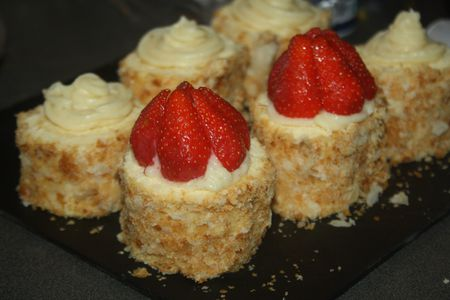 Roule-facon-tartelette-aux-fraises 9500