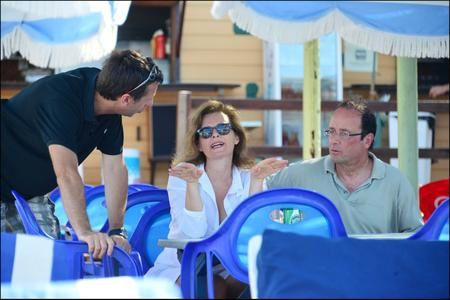 Photo-vacances-francois-hollande-valerie-trierweil-copie-2.jpg