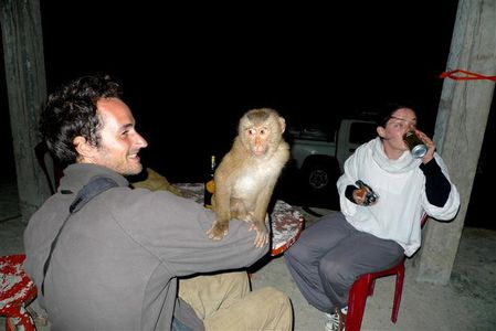 Max-Tiph-et-le-macaque--Small-.JPG