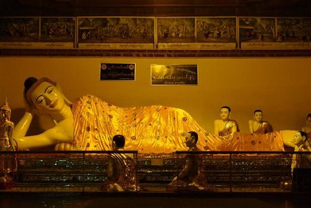 Bouddha-Paya-Schwedagon--2---Small-.JPG