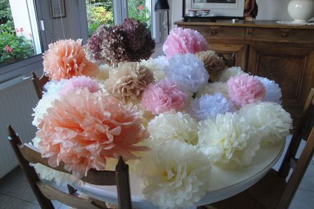 Pompons mariage en phase recyclage