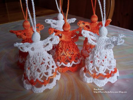 anges-orange-blanc-crochet-decor-fete