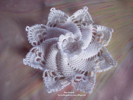 napperon-aumoniere-crochet-decoration