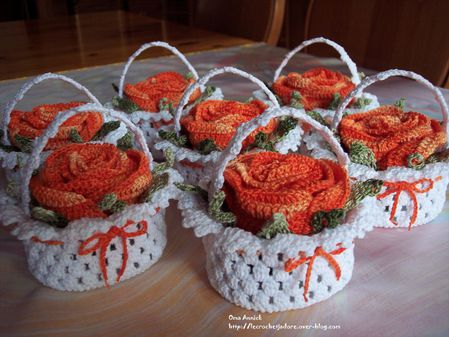 paniers-fleuris-orange-crochet-decor-fete