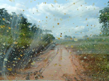 route-mossendjo-piste-boue