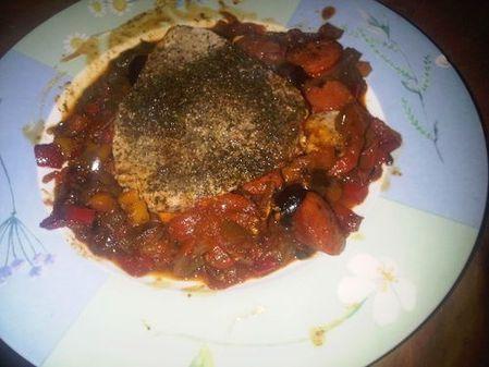 Steak-de-thon-a-la-Grecque-ds-assiettte--500-.jpg