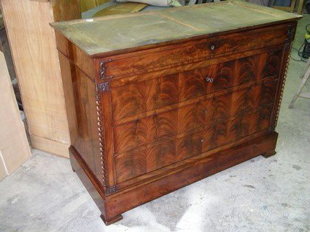 Restauration d 39 une commode placage acajou de cuba for Epoque restauration meuble
