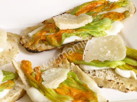 FLEURS_DE_COURGETTE_ET_MOZZARELLA