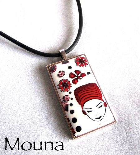 Pendentif La femme en rouge et noir 4 VENDU