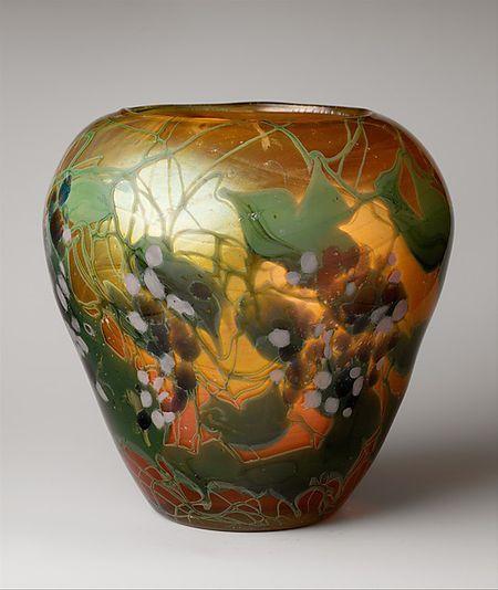 Tiffany vase 4