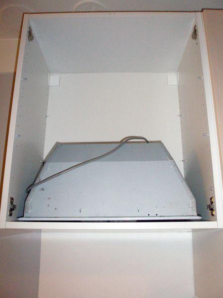 Op ration cuisine installation de la hotte suite le - Comment installer une cuisine equipee ...