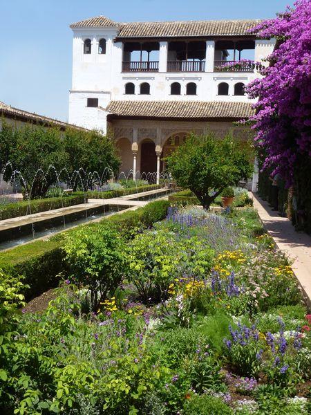 GRENADE---Alhambra---Generalife---Patio-de-la-Acequia--7-.JPG