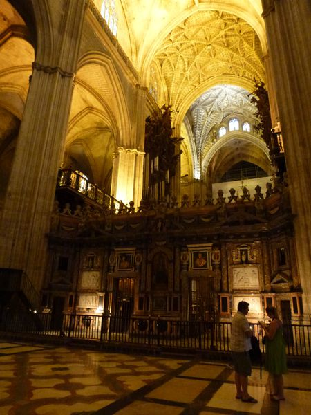 SEVILLA---cathedrale---interieur.JPG