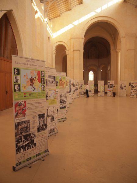 Panneaux-exposition-Loudun.JPG
