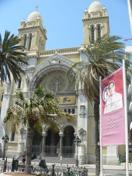 Cathedrale_de_tunis--1-.JPG