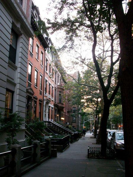 15C-Brownstone-houses-a-Brooklyn.JPG