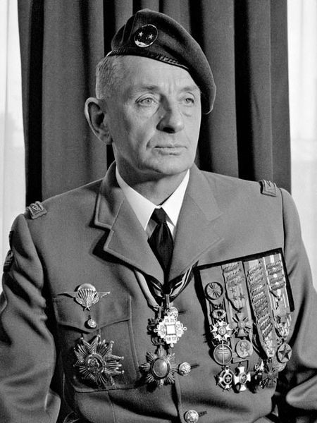 General Bigeard N&B