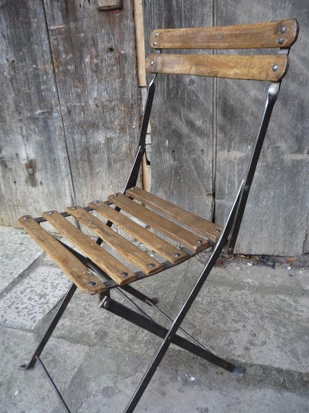 Chaise bistrot bois metal rivetee industriel loft 1930 for Chaise fer et bois