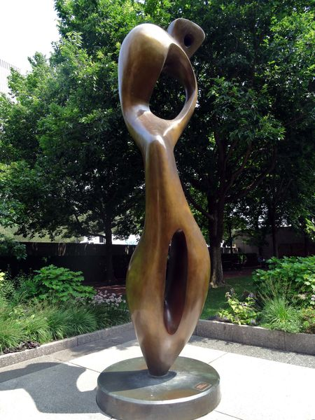 Chicago sculpture Henry Moore