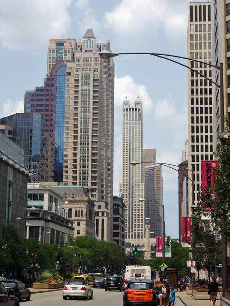 Chicago-Magnificent-Mile.jpg