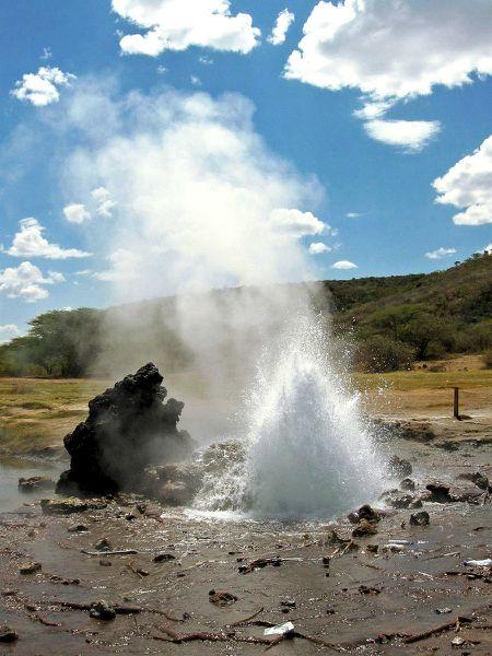 BogoriaGeyser---aiace-Flickr.jpg