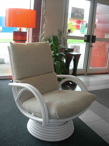 Fauteuils rotin pivotants et relax exodia home design for Fauteuil de salon relax