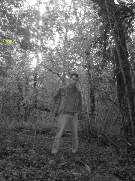 Dany in the pwoods (5)