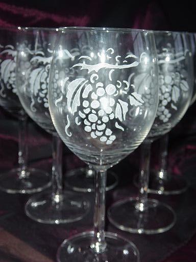 gravure sur verre vin gravure sur verre verre grave verre personnalise gravure sur ardoise. Black Bedroom Furniture Sets. Home Design Ideas