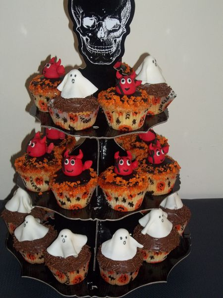 mes cupcakes d co p te sucre pour halloween la cuisine de layla. Black Bedroom Furniture Sets. Home Design Ideas