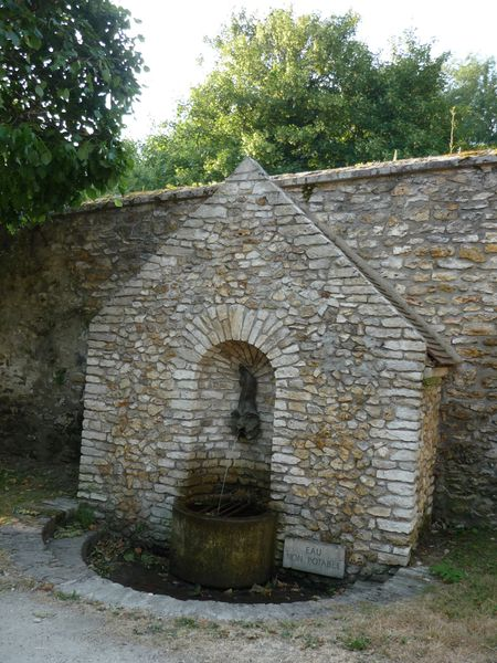 029 Fontaine Perceval