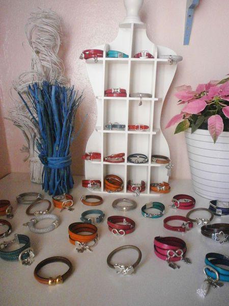 bracelets cuir.
