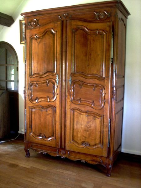 renovation d 39 une armoire normande en meurisier proche de dreux restauration meubles anciens. Black Bedroom Furniture Sets. Home Design Ideas