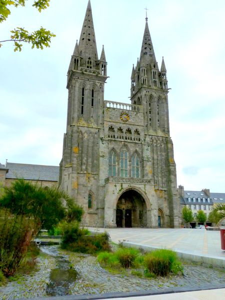 Nord finist re cl der saint vougay ch teau de kerjean for Entretien jardin st pol de leon