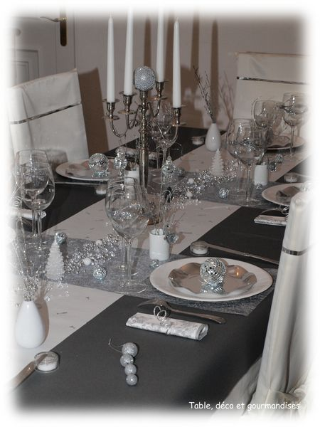 Tables de nouvel an table d co et gourmandises for Decoration reveillon nouvel an