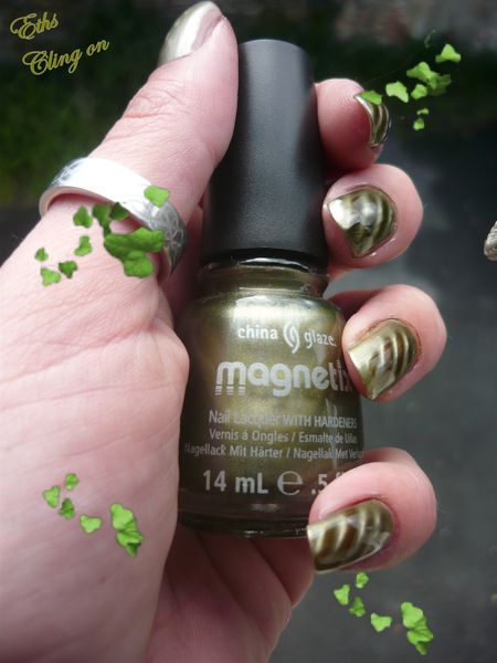 china glaze Cling on 1104 collection Magnetix 2 couches M