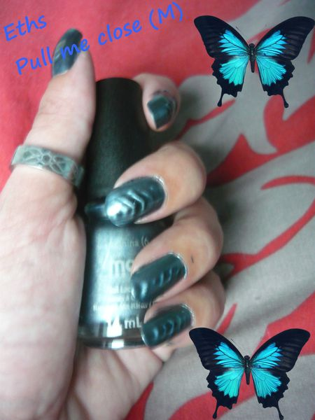china glaze Pull me close 1105 collection Magnetix-copie-6