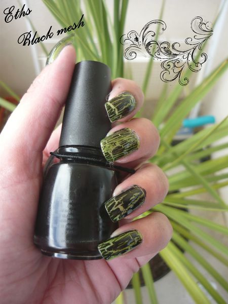 china glaze Black mesh 980 collection crackle 1 couche