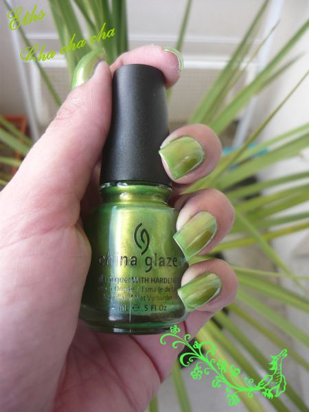 china glaze Cha cha cha964 island escape 2 couche