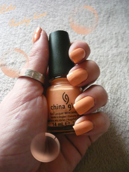 china glaze Peachy keen 868 Up and away 2 couche